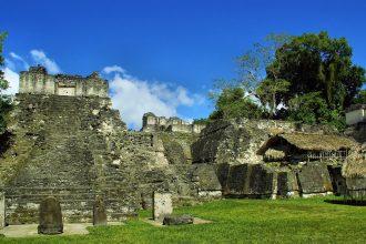 Des ruines de l'ancienne cité maya de Tikal