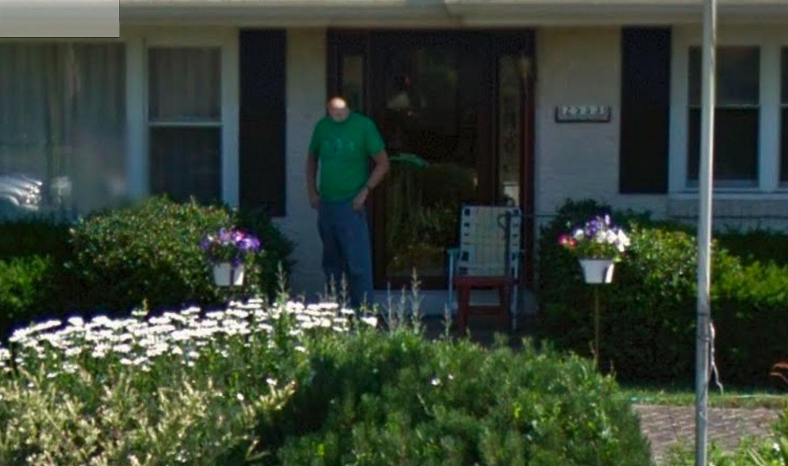 Sur Google Street View, on croise parfois des hommes à petite tête