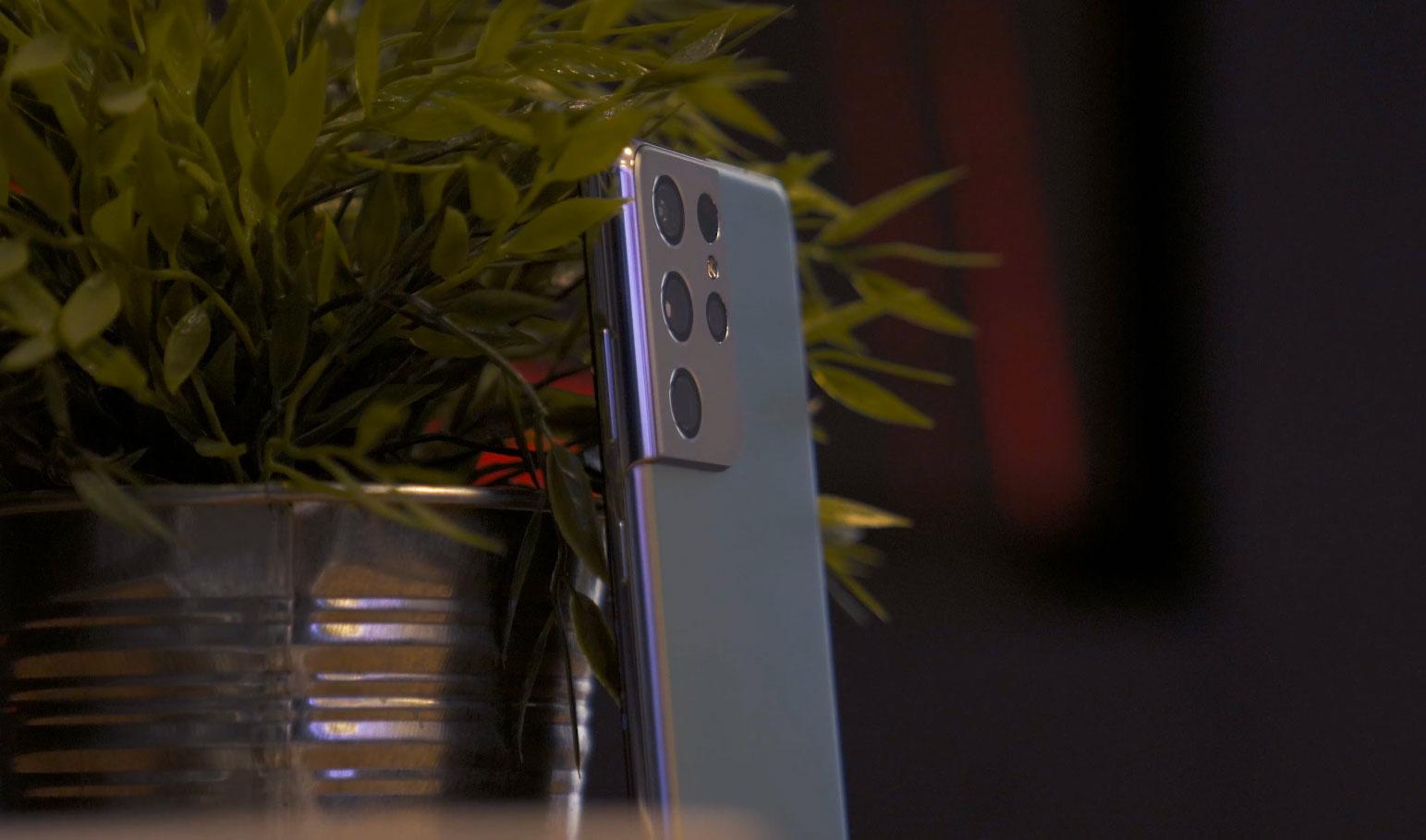 Les Galaxy S21 ne seront pas les seuls à faire l'impasse sur le chargeur et le kit mains libres