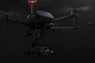 Voici le drone présenté par Sony, un drone capable de soutenir un boîtier hybride de la marque.