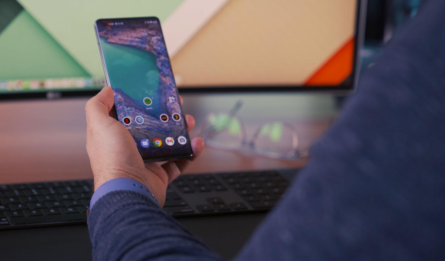 La plateforme est épurée et elle se rapproche de celle d'Android Stock