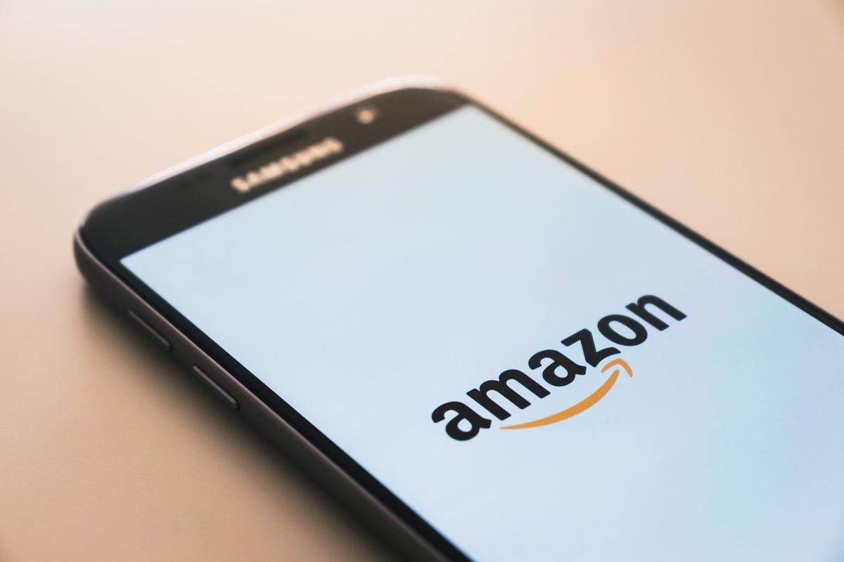 Amazon sur un smartphone Samsung