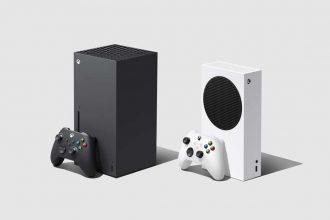 Une Xbox Series X aux côtés d'une Xbox Series S