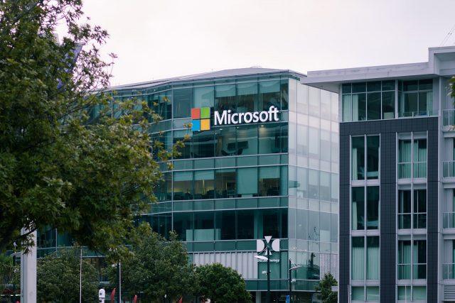 Microsoft a mis 19 milliards de dollars sur la table pour acquérir Nuance