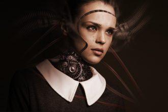 Une femme robot