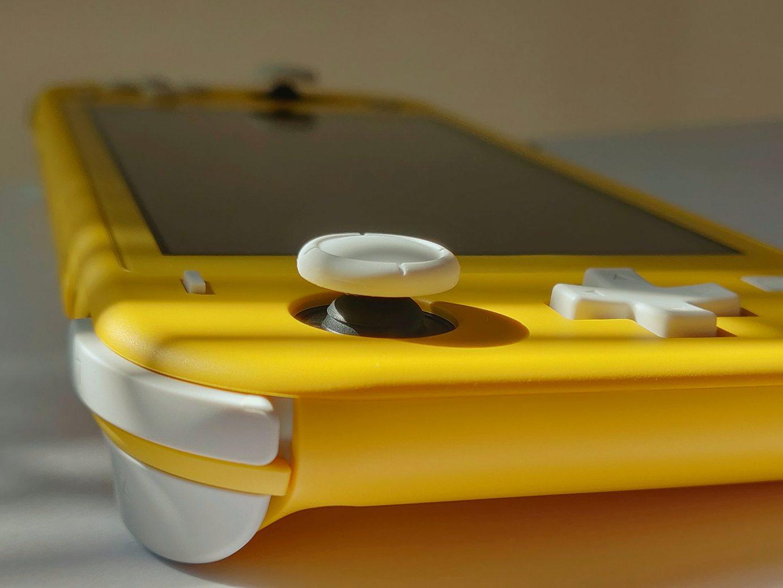 La Switch Lite en version jaune