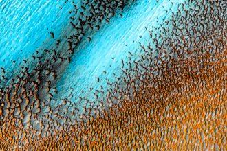 Des dunes bleues sur Mars