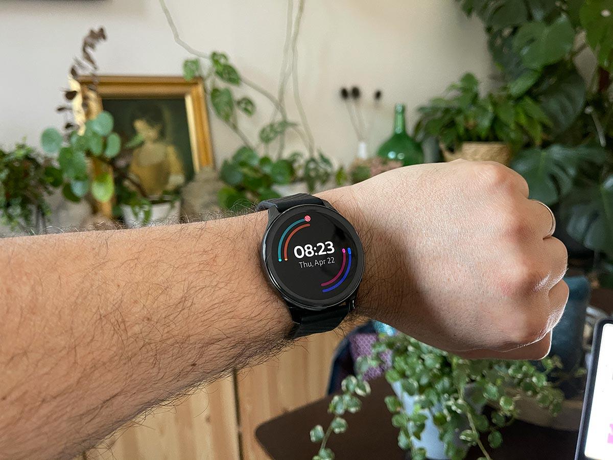 La OnePlus Watch, une montre très décriée - crédits Fred