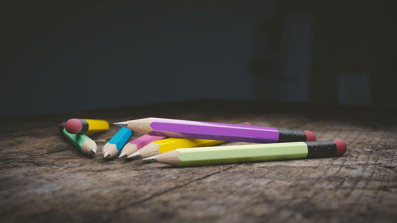 Des crayons pour dessiner ou colorier