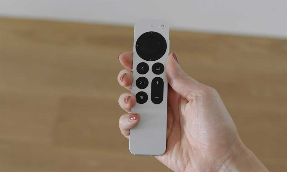 La télécommande qui accompagne la nouvelle Apple TV 4K