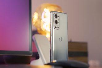Le OnePlus 8 Pro en version silver