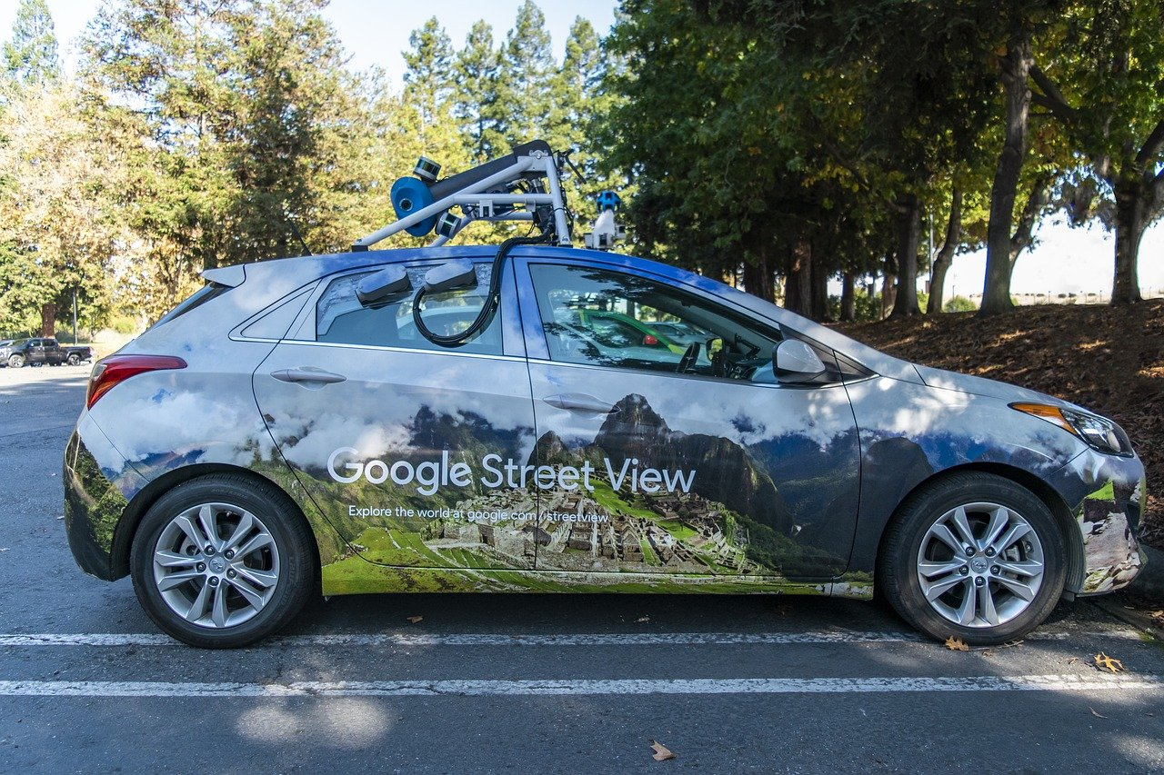 Une voiture de Google Street View