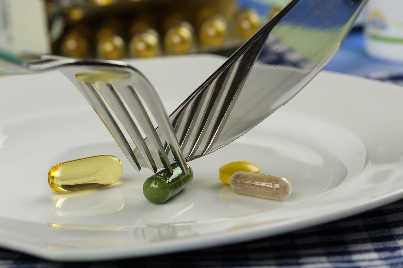 Cette pilule réduirait de moitié le risque d'hospitalisation par Covid-19