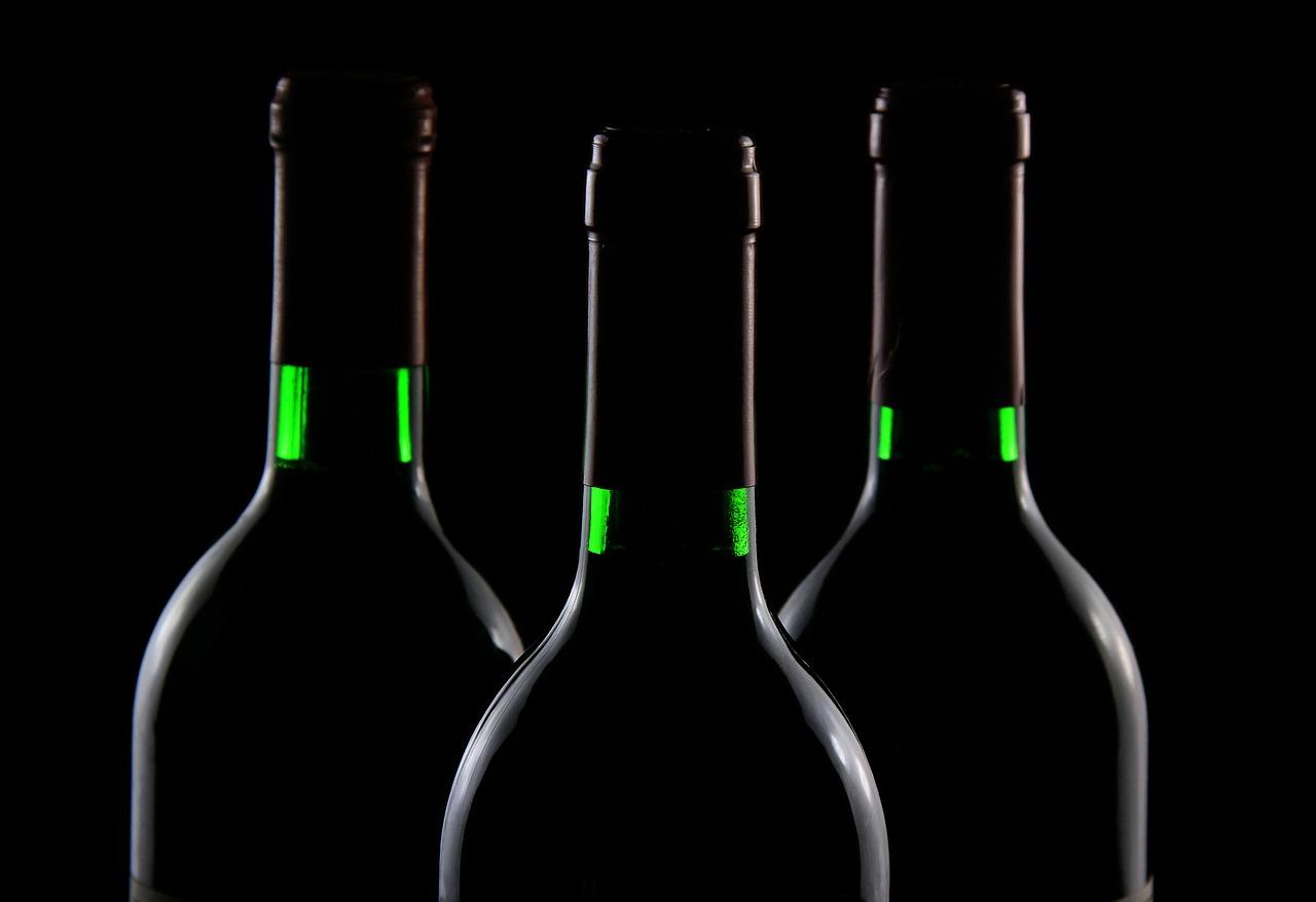 La toute première bouteille de vin vieillie dans l'espace veut se trouver un acquéreur