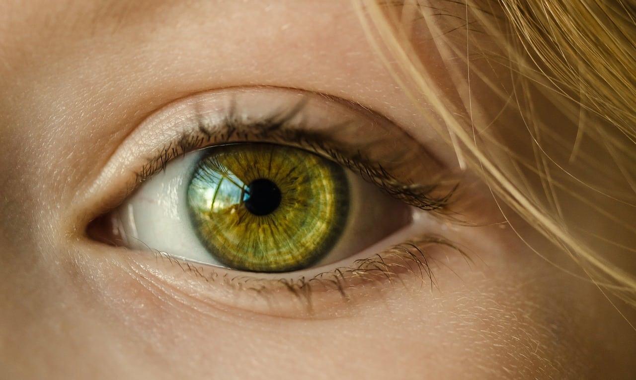 L'oeil d'une femme en gros plan