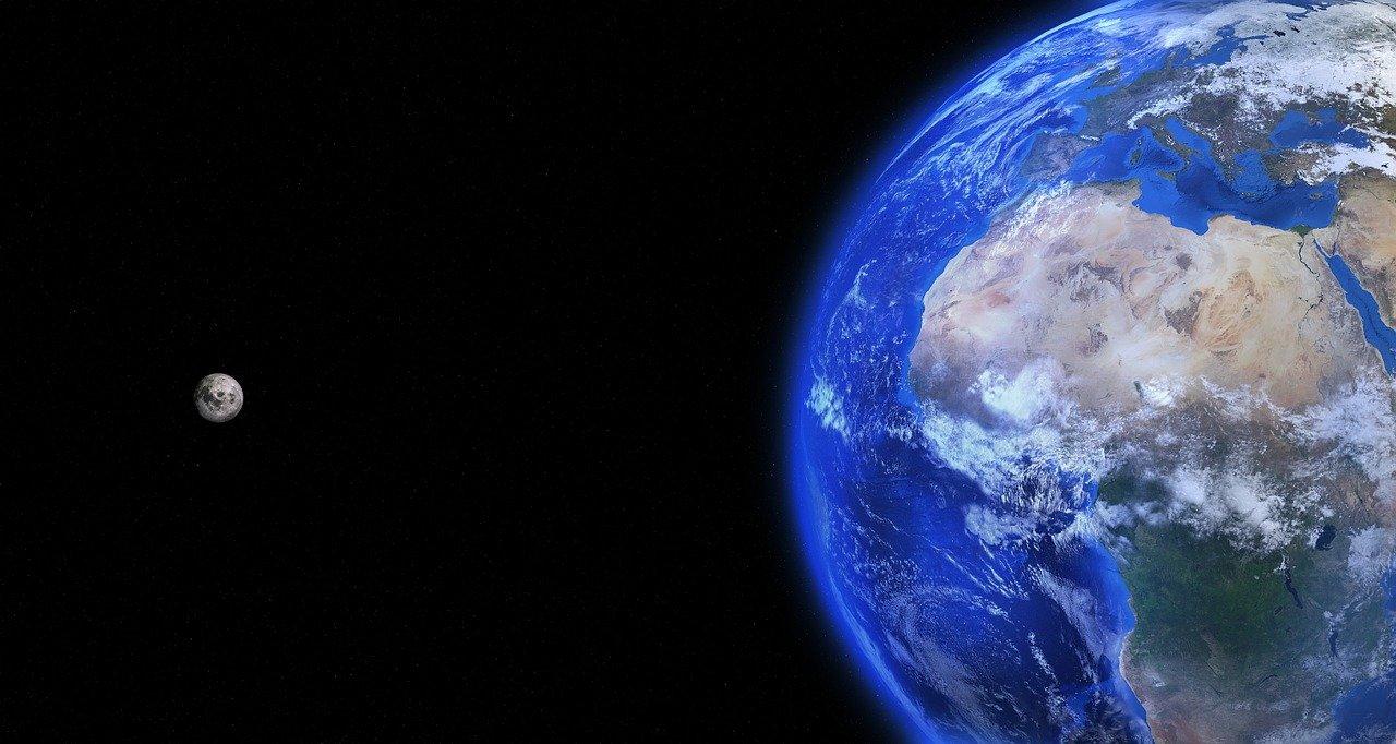 La Terre et la Lune vues de l'espace