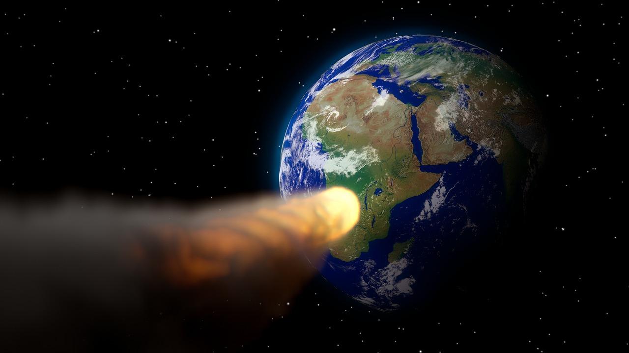 Un astéroïde filant vers la planète
