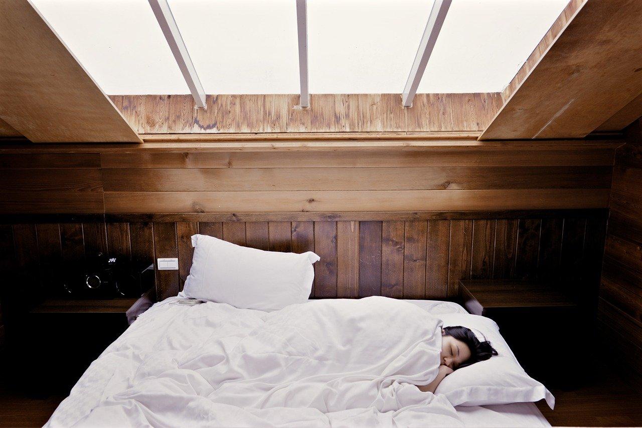 Une femme en train de dormir