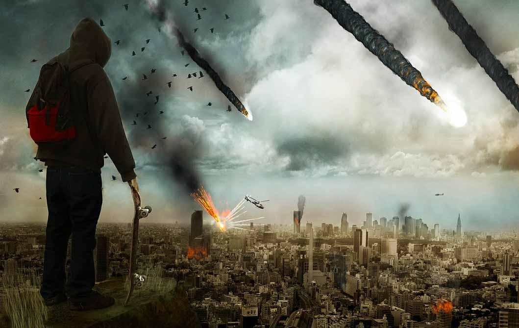Un homme se tenant face à une scène apocalyptique
