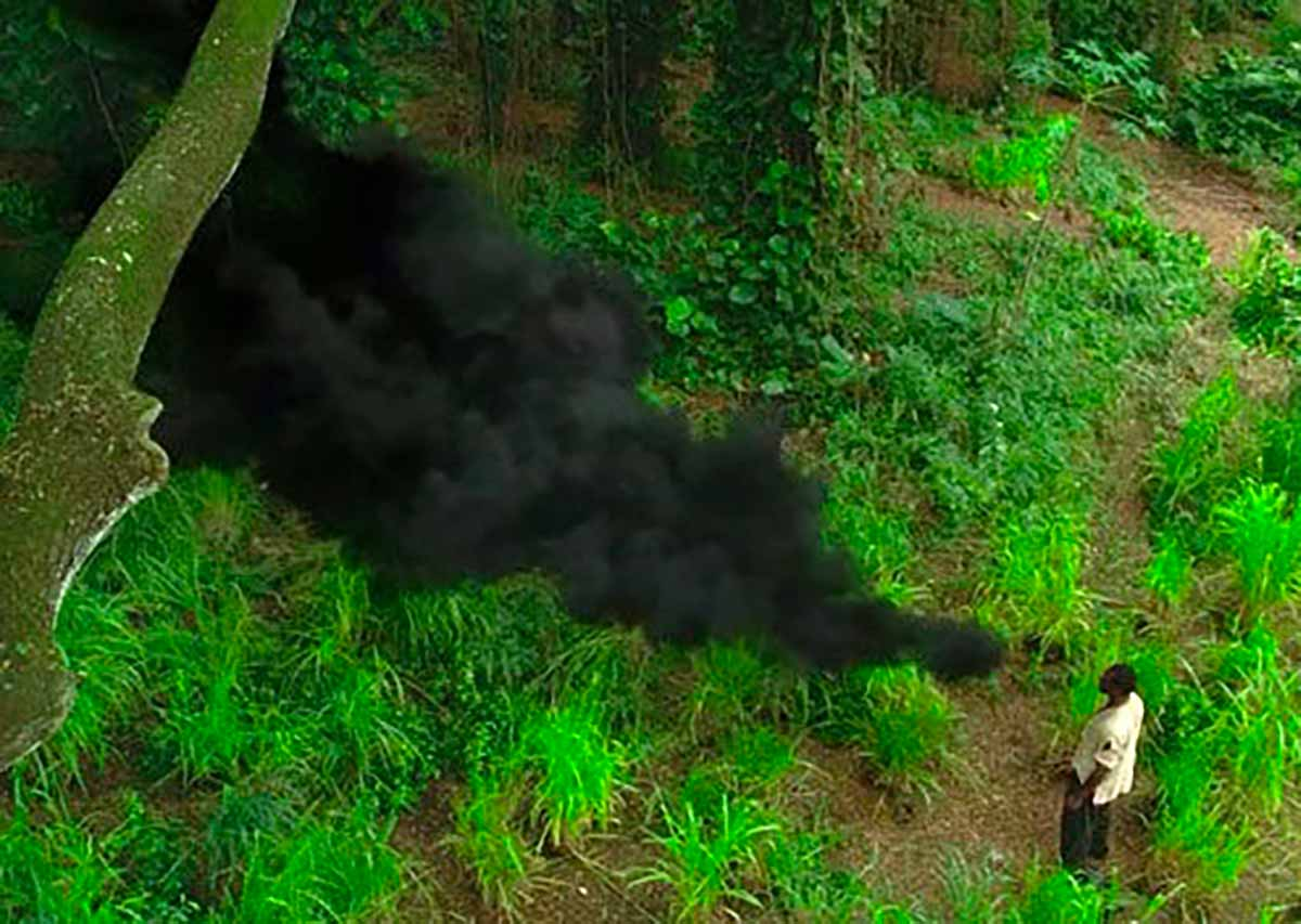 """La fumée noire, l'un des """"personnages"""" les plus emblématiques de Lost"""