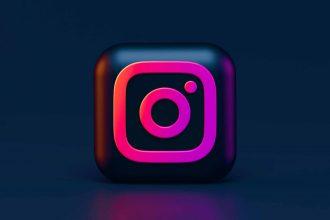 Le logo d'Instagram sur fond noir