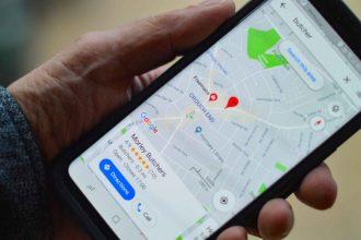 L'application Google Maps sur un smartphone