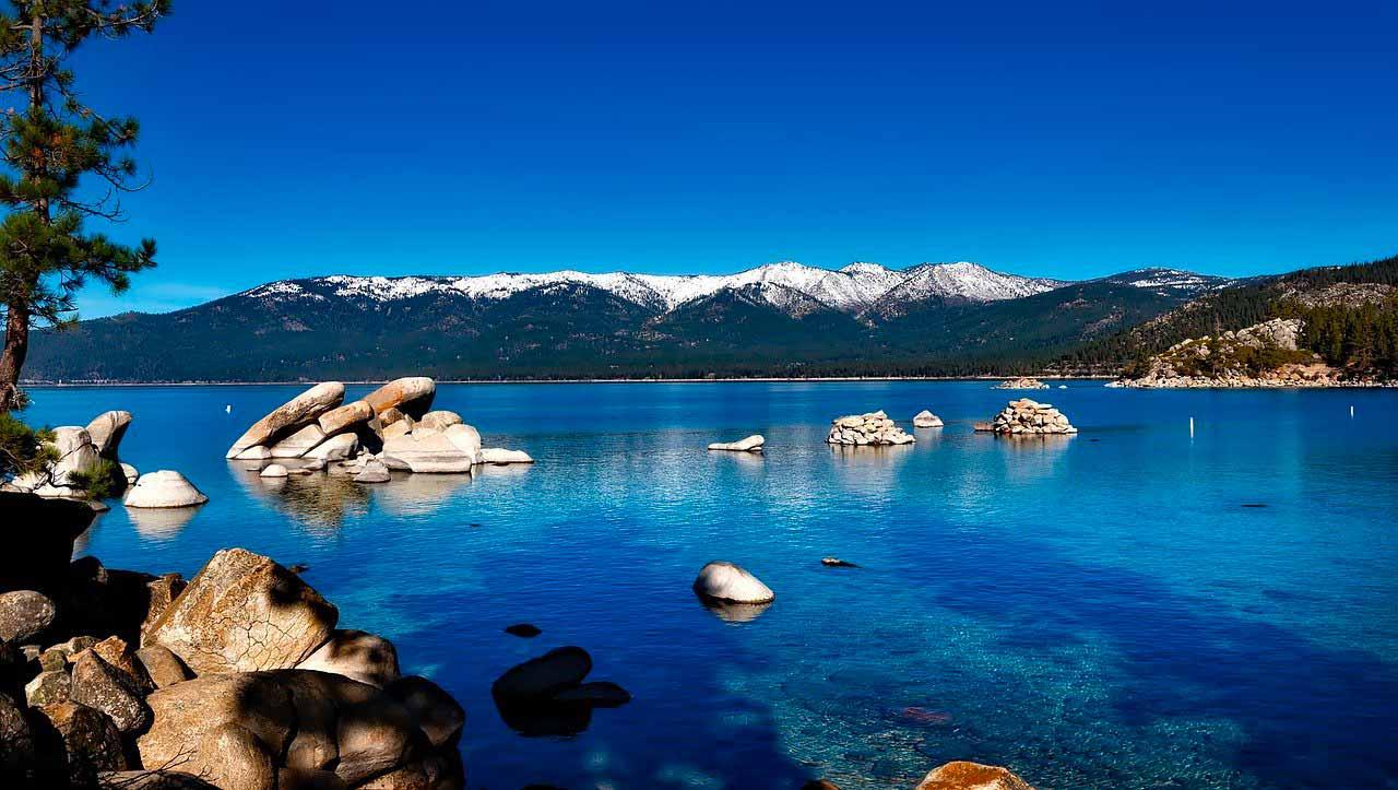 Une photo du lac Tahoe