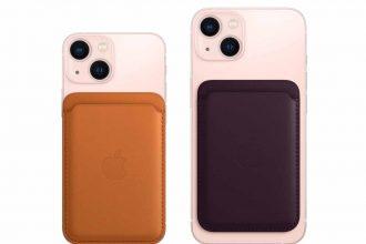 Le porte-cartes MagSafe monté sur un iPhone 13
