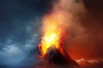 Volcan en éruption.