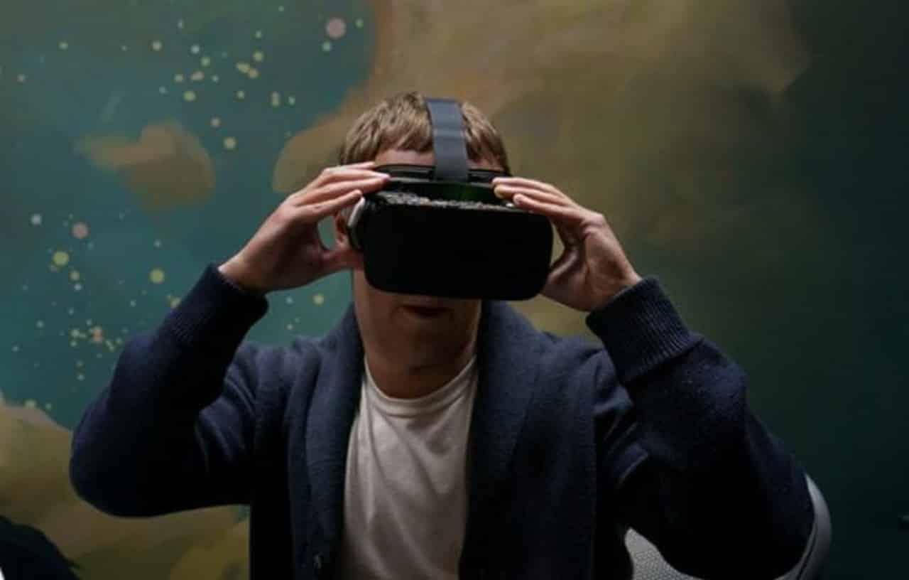 Les dirigeants de Facebook s'amusent avec des prototypes de casques de réalité virtuelle