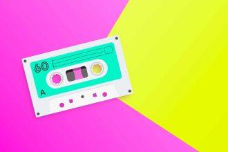 Une illustration représentant une cassette sur fond coloré